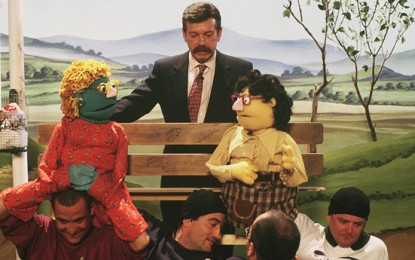Los muñecos de Gomaespuma con Jose María Íñigo